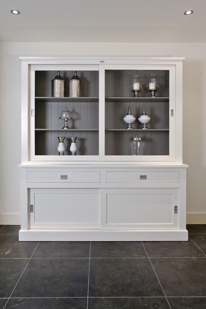 vetrina bianca ante scorrevoli arredamento provenzale chic. Black Bedroom Furniture Sets. Home Design Ideas