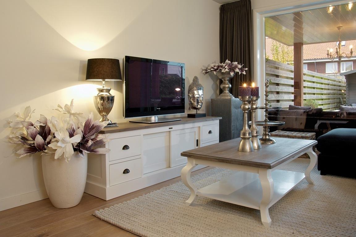 tavolo salotto elegant chic mobili etnici provenzali