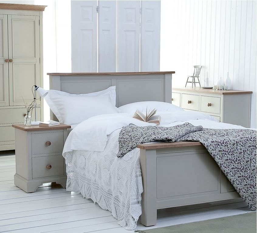 Letto bianco shabby chic